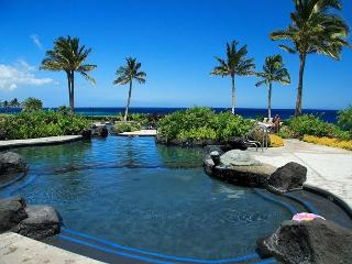 LUXURIOUS 2 BEDROOM, 2 BATH CONDO! LAVA FLOW SPECIAL 7TH NIGHT COMP - Waikoloa vacation rentals