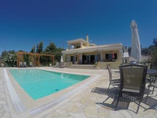Villa Theia. Holiday Villa in Arillas. Corfu - Arillas vacation rentals