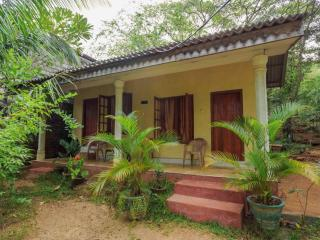 Romantic 1 bedroom House in Habarana with Parking - Habarana vacation rentals