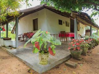 1 bedroom House with Parking in Puttalam District - Puttalam District vacation rentals