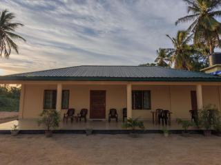 1 bedroom House with Parking in Kalkudah - Kalkudah vacation rentals