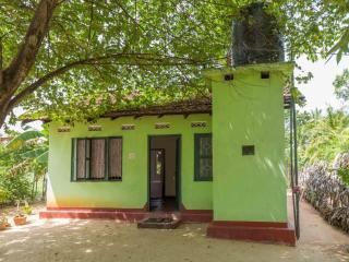 2 bedroom House with Parking in Trincomalee - Trincomalee vacation rentals