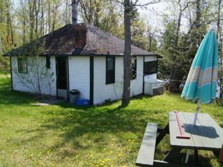 Nice Cottage with Internet Access and DVD Player - Burks Falls vacation rentals