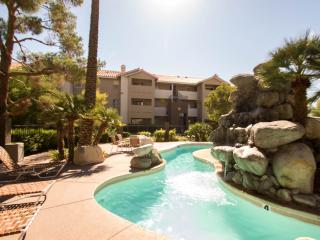 Private Room/1 Km To Caesars Palace/Free Shuttle - Las Vegas vacation rentals