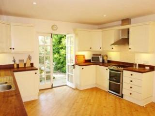 Spacious 4 bedroom Brancaster House with Internet Access - Brancaster vacation rentals