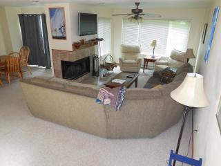 3 bedroom Condo with Short Breaks Allowed in Hidden Valley - Hidden Valley vacation rentals