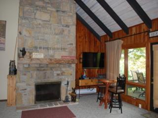 4 bedroom Apartment with Short Breaks Allowed in Hidden Valley - Hidden Valley vacation rentals