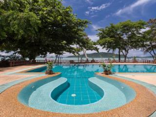 A Perfect Designed 6 Bedroom Beach front  in Rawai - Coral Island (Koh Hae) vacation rentals