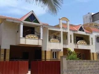 Service apartment, guest house, rooms, in chennai - Chennai (Madras) vacation rentals