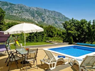APARTMENTS VILLA ANTONI - Omis vacation rentals