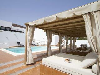 Perfect 4 bedroom Villa in Playa Blanca with Internet Access - Playa Blanca vacation rentals