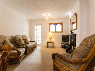 Lovely 2 bedroom Chester Townhouse with Internet Access - Chester vacation rentals