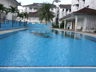 3 bedroom Apartment with Internet Access in Air Itam - Air Itam vacation rentals