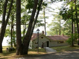 44 DEGREES NORTH | EDGECOMB MAINE | TIDAL SALT WATER RIVER | INCREDIBLE VIEWS OF WATER AND SUNSETS - Boothbay vacation rentals
