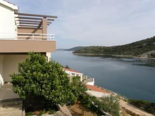 4363 Crveni(2+2) - Vinisce - Vinisce vacation rentals