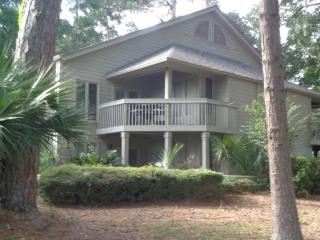 BEAUTIFUL Golf View Villa! Tennis! April/May 2016! - Hilton Head vacation rentals