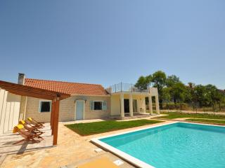 SToNe ViLLa with PRiVaTE PooL ! - Zadar vacation rentals
