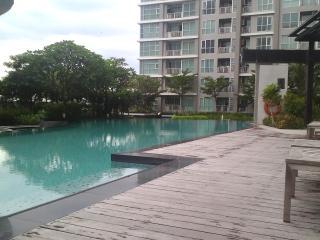Time to Sleep at Rhythm Ratchada - Bangkok vacation rentals