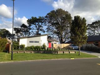4 bedroom House with Internet Access in Tauranga - Tauranga vacation rentals