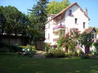 Nice House with Internet Access and Satellite Or Cable TV - Saint Avertin vacation rentals
