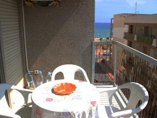 Apartment for 6 persons. Just 50m from the beach - Guardamar del Segura vacation rentals