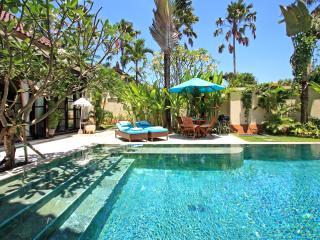 Cosmovilla, 4 bedrooms Seminyak, Bali - Seminyak vacation rentals