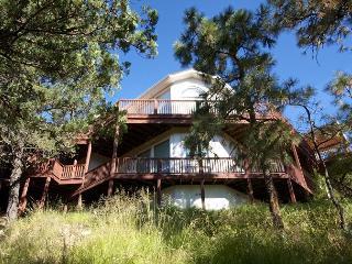 Partridge Home is a spacious four bedrooms, five bath Alto home. - Alto vacation rentals