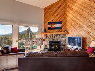 2BR + Loft Condo in Silverthorne with Mountain Views! - Silverthorne vacation rentals