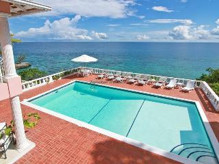 Lovely House with A/C and Shared Outdoor Pool - Tower Isle vacation rentals
