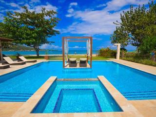 Bali Beach House, Rio Bueno 4BR - Rio Bueno vacation rentals