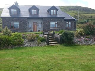 Waterville Penny-lane Cottage on Ring of Kerry. - Waterville vacation rentals