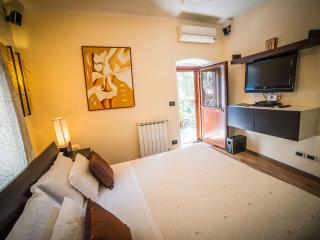 Villa al Duomo Taormina Standard Apartment - Taormina vacation rentals
