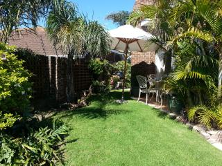 Bright House in Summerstrand with Internet Access, sleeps 8 - Summerstrand vacation rentals