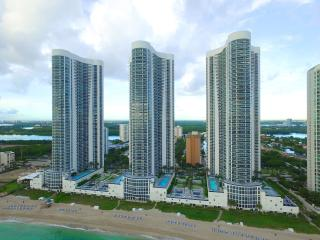 Perfect 3 bedroom Sunny Isles Beach Apartment with Deck - Sunny Isles Beach vacation rentals