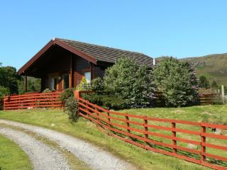 Bright Cabin in Glenbeg with Television, sleeps 4 - Glenbeg vacation rentals