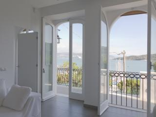 Beautiful Apartment in Portovenere with A/C, sleeps 7 - Portovenere vacation rentals