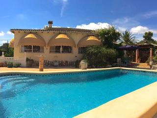 Casa Rosa in Moraira. Pool, Sauna, Sat TV & Wi-Fi. - Moraira vacation rentals
