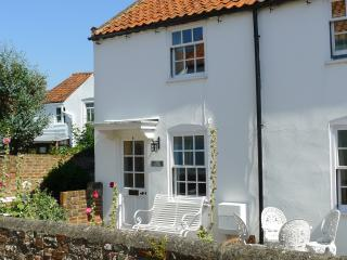 Loom Cottage 6 Spinners Lane Southwold IP18 6AR - Southwold vacation rentals