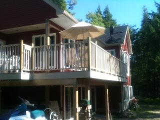 Nice Cottage with Deck and Internet Access - Havelock vacation rentals