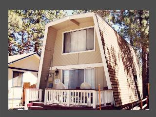 2 bedroom House with Deck in Big Bear City - Big Bear City vacation rentals