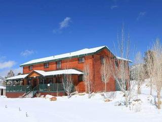 Big Bear Big Cabin - Big Bear City vacation rentals