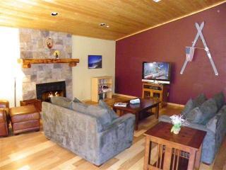 Cozy 3 bedroom House in Big Bear City with Deck - Big Bear City vacation rentals