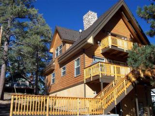 """""""Cabin Big Bear"""" By The Lake - City of Big Bear Lake vacation rentals"""
