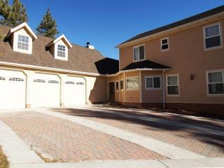 Lakeview Court Castle - City of Big Bear Lake vacation rentals