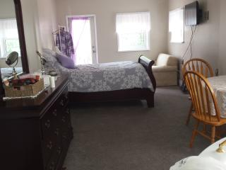 Saugeenview Family Getaway B&B: Master Suite - Chesley vacation rentals