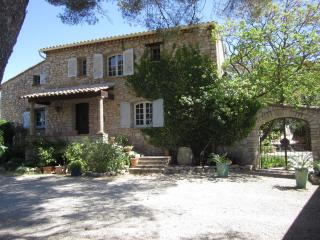 5 bedroom Bed and Breakfast with Internet Access in Taradeau - Taradeau vacation rentals