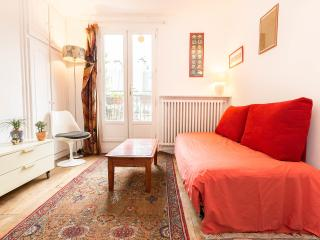 Pet-Friendly Apartment with 1 Bedroom in Paris - Paris vacation rentals