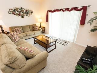 Bright 5 bedroom House in Clermont with Deck - Clermont vacation rentals