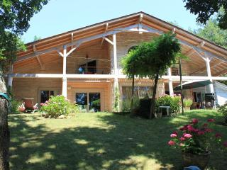 Couette et cafe - Lalinde vacation rentals