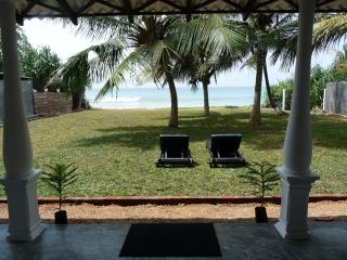 Lankamiya, private villa on the beach ,Wifi ,AC, Breakfasts,Cleaning included.. - Ambalangoda vacation rentals